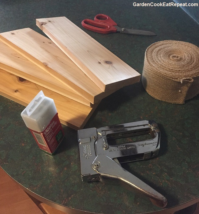 Supplies to make bagel boards