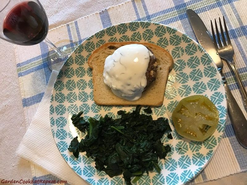 Greek burger with yogurt sauce