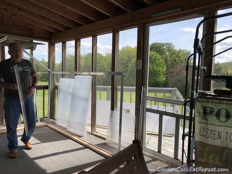 Assembling greenhouse
